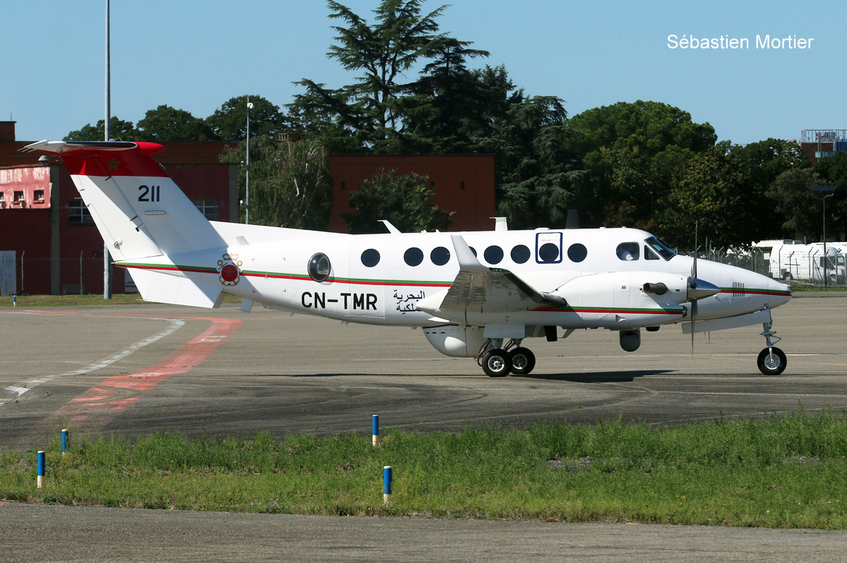 Beechcraft Super King Air 350ER - Page 4 48700516638_f5926cc64c_o