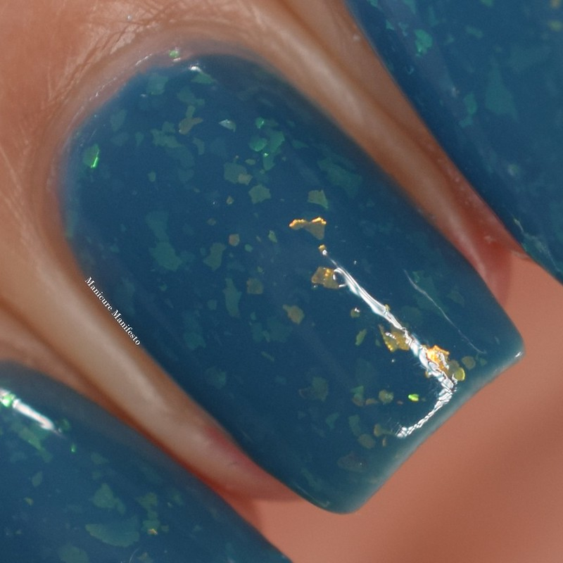 Bees Knees Lacquer Colossal Claude swatch