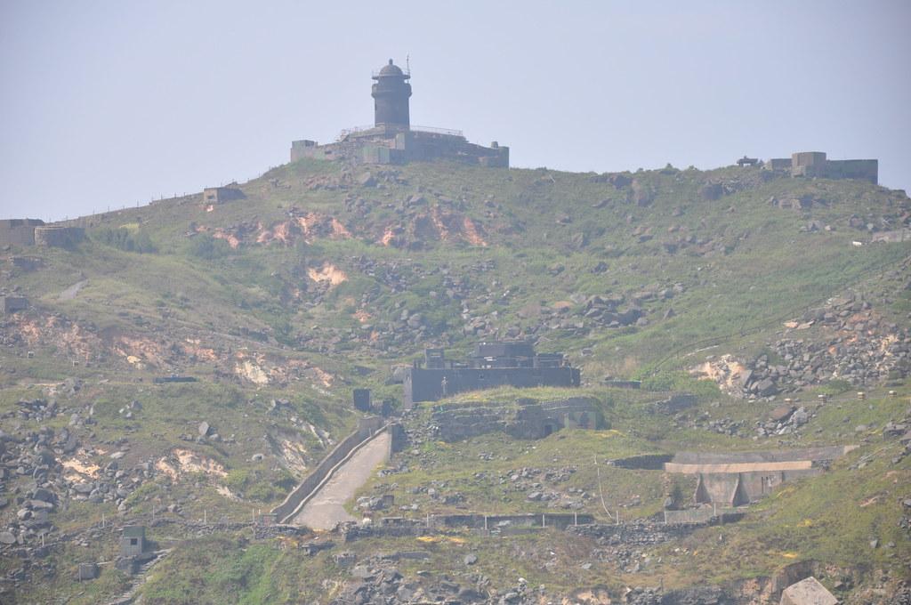 烏坵燈塔已被指定為國定古蹟,時隔一甲子後又重新點亮。孫文臨攝