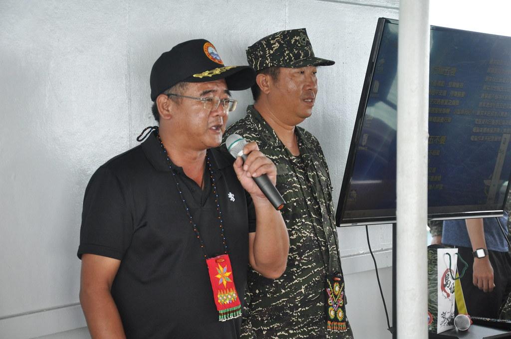 烏坵鄉長蔡永富(左)與烏坵守備大隊林銘煌。孫文臨攝
