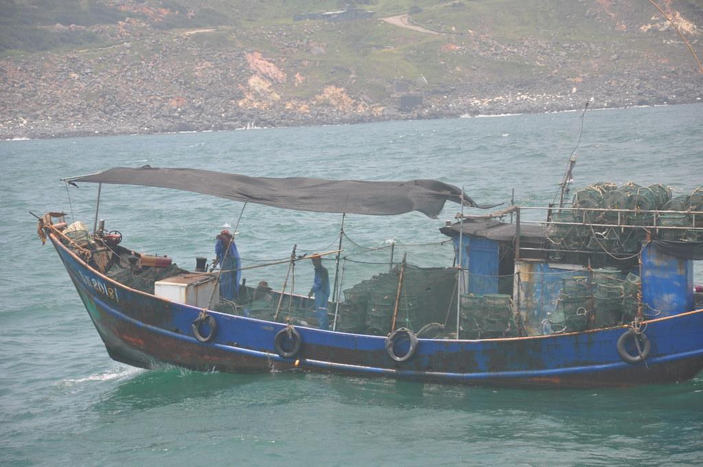 烏坵近海不時可見對岸漁船,高丹華表示除了破獲海洋生態也有走私的隱憂,卻不見軍方驅離。孫文臨攝