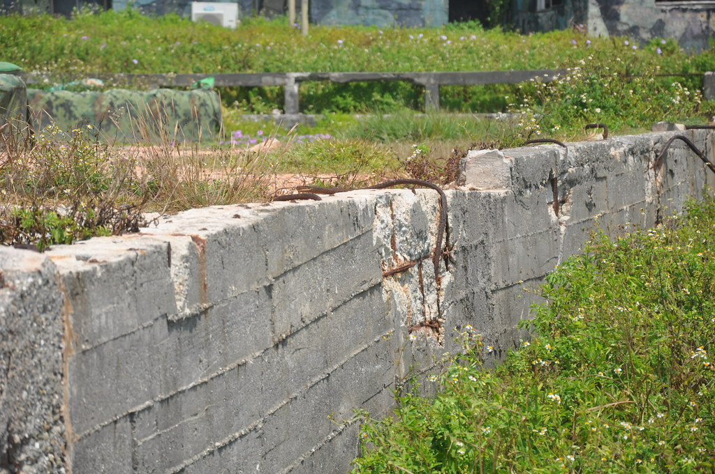 過去的東沃攔水壩已經被填平,牆上的文字也被鑿除。孫文臨攝
