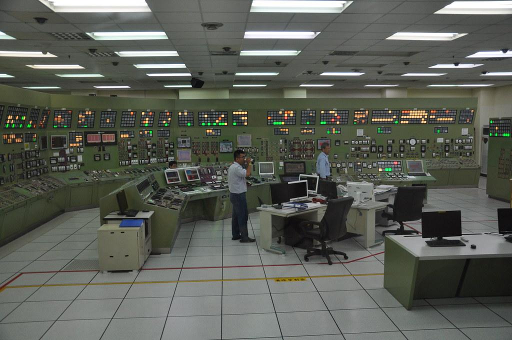 雖然無法實際進入控制中心,模擬控制室也是一比一完全按照實際控制室設置。孫文臨攝