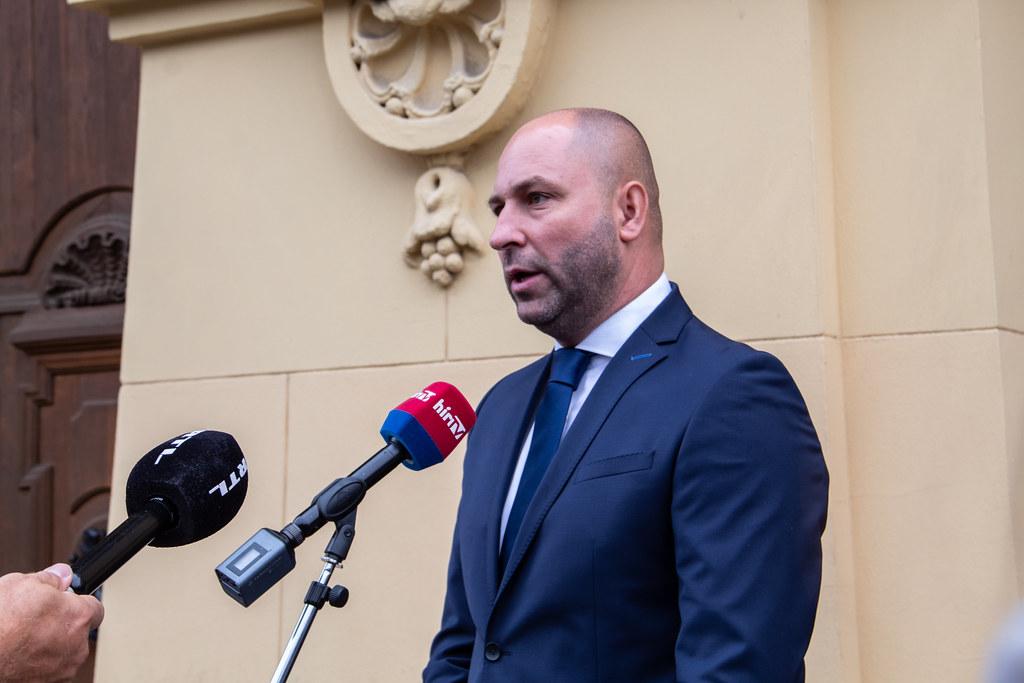 Szabó Bálint vitázni hívta Botka Lászlót