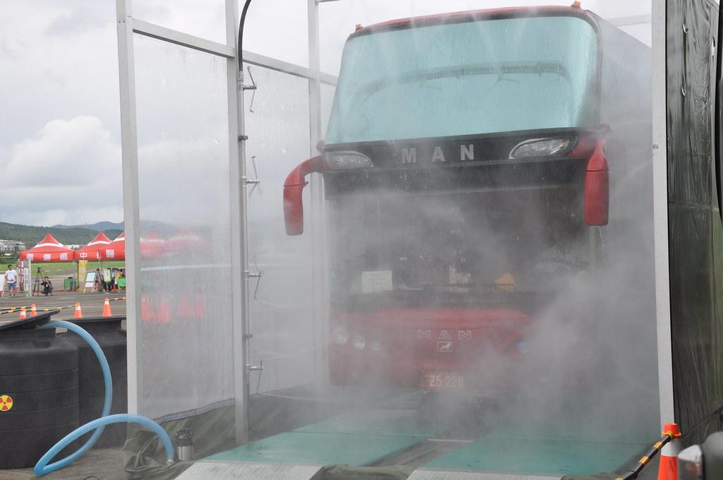 恆春航空站可執行車輛輻射污染的清除,輻射污水也會做蒐集處理。孫文臨攝
