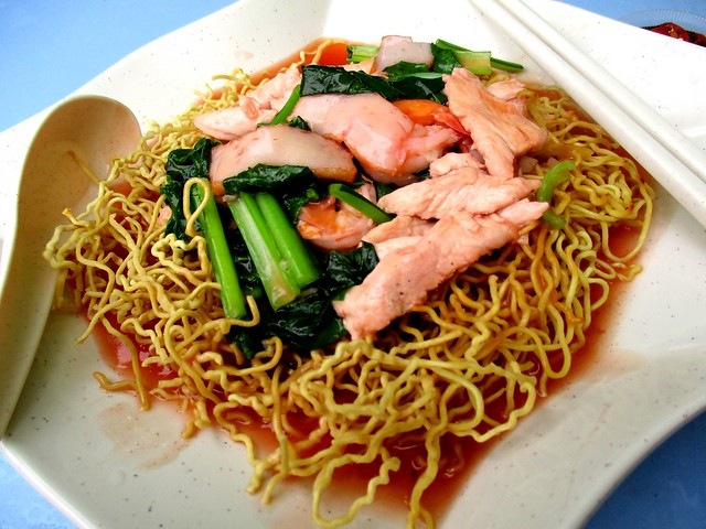 Kuching crispy fried tomato noodles