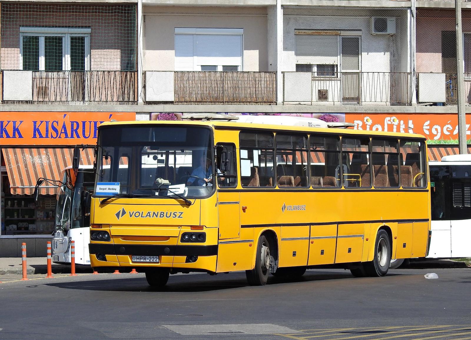 Sárga roncsbuszokkal kezdődik a Volánbusz szegedi uralma